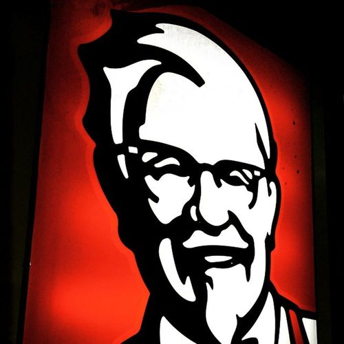 KFC Evening Hangout Closebuddy Sausychicken Yummy Fingerlicking Is Good