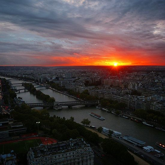 Sunset in Paris 🌄🗼 Paris | France | 2014 Paris Sunset Laseine Seineriver France