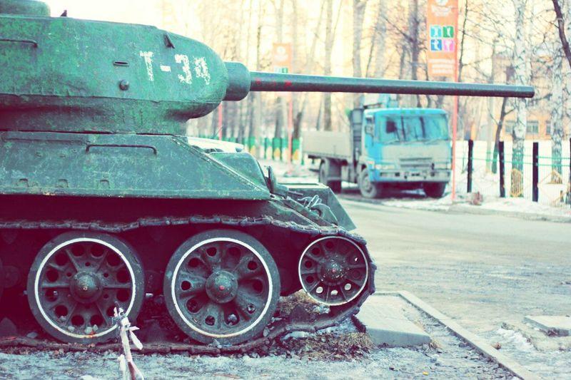 Впамятьовойне памятьопобеде паркпобеды танки язамир т34 паркпобедыекатеринбург октябрь2016 екатеринбург2016 Танк танки