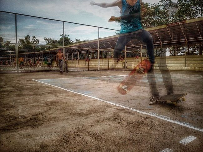 Kickflip - manual attempt #Puerto Princesa City Sports Complex Amatuer Photographer Amatuerphotography Amature Court Day Eyeemdale Flat Kickflip Leisure Activity Lifestyles LousyKickflip Low Section Men Mobilephotography Motion One Person Outdoors People Playing Playing Field Real People Skateboarding Sky Sport