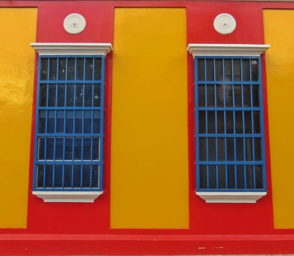 Fachadas Marabinas II EyeEm Selects Window Red Building Exterior Architecture Built Structure No People Multi Colored Outdoors Day Close-up
