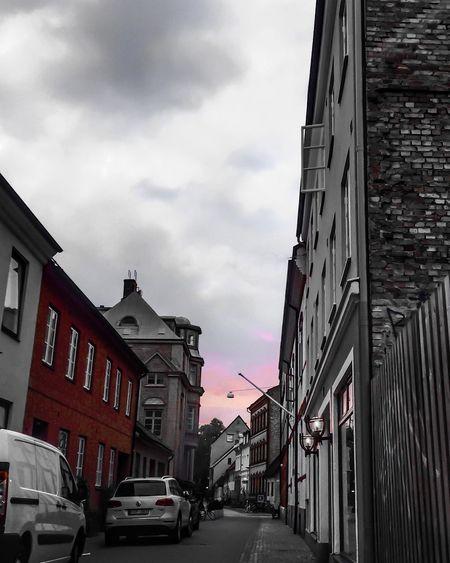 Red.... Streetphotography Streetphoto_bw Streetphoto_color Carmine Black & White