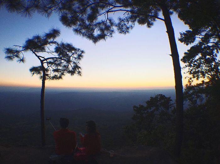 Lover cliff edge 😊😊 Scenics Tranquil Scene Real People Branch Sky
