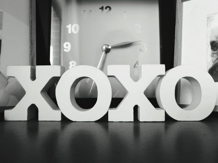 Still waiting for the time that you'll give me some xoxo 😢 Xoxo Blackandwhite Close-up Homedecor HuaweiP9 Huaweiphotography