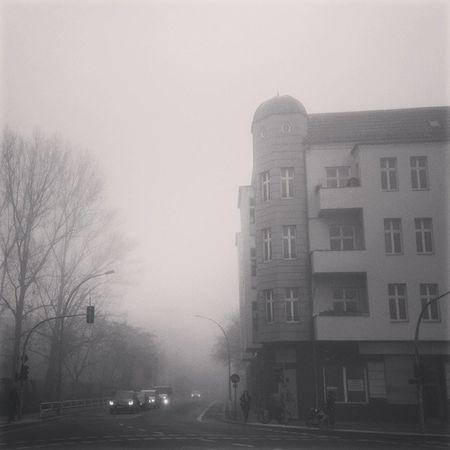 Fahrt schön vorsichtig. Berlin Nebel Unfall Kfzgutachten