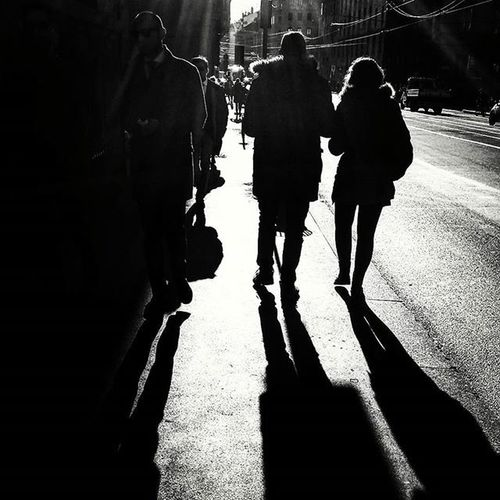 Persone a Passeggio al Sole Milano Cadorna Italia Walking People in the Sun Milan Italy Blackandwhite Bnw Bn Biancoenero Showcase April City Life Street Photography