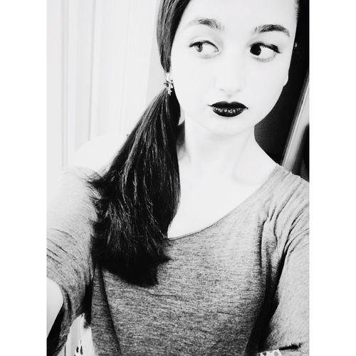 Bakışlarım Black And White