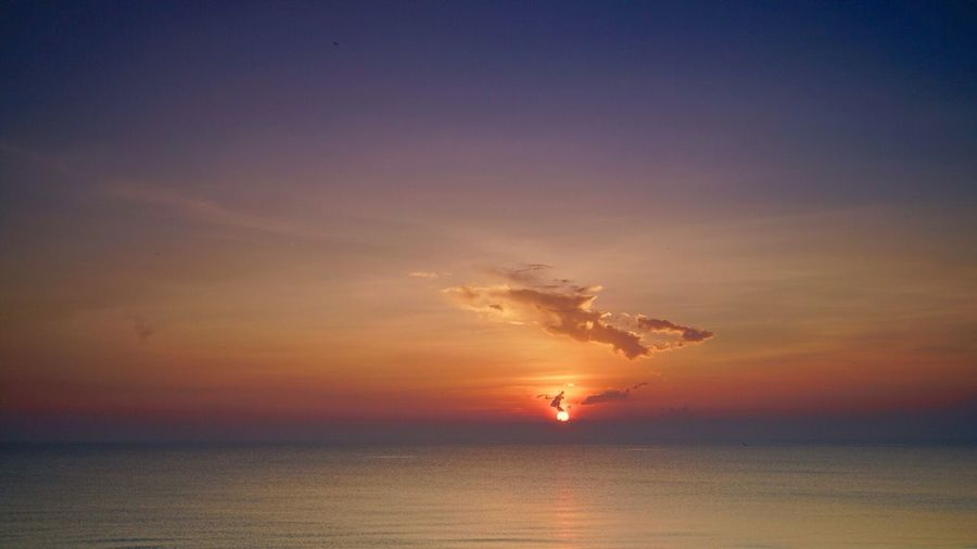 Sun rise at ocean Sun Sunrise Sea And Sky Ocean View SONY A7ii SONY ILCE-MK2
