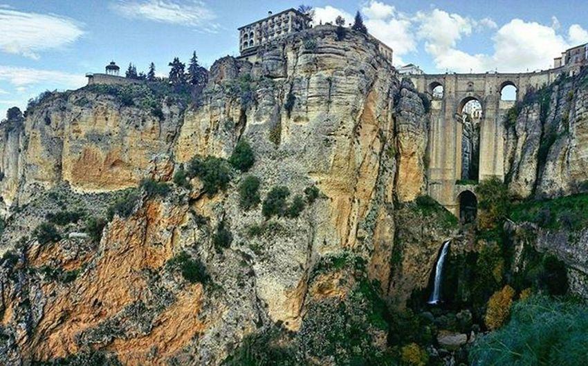THEVANDIARIES Ronda Bridge Waterfall Travelstoke LOTR Gorge Traveleurope Travelblog Instatravel Vanlifediaries Tinyhousemovement SPAIN