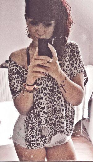 Dans l'ordinaire, tu m'as fait voir l'extraordinaire. Sidecut Redhair Ink Inked INKEDGIRL Tattoo Tattooedgirl CrazyHair Leopard Print Curves