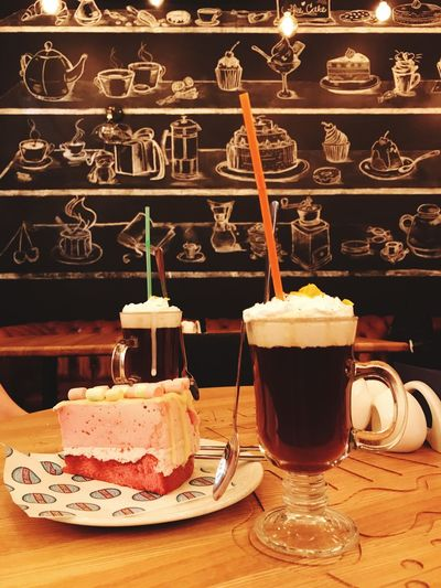 Food And Drink Sweet Food Indulgence Drink Refreshment Dessert Food Coffee - Drink Table Indoors  Coffee Cup Freshness Temptation Cake Ice Cream Unhealthy Eating No People Plate Ready-to-eat Drinking Glass Coffee Coffee Time Coffee Break Cakes Coffee ☕