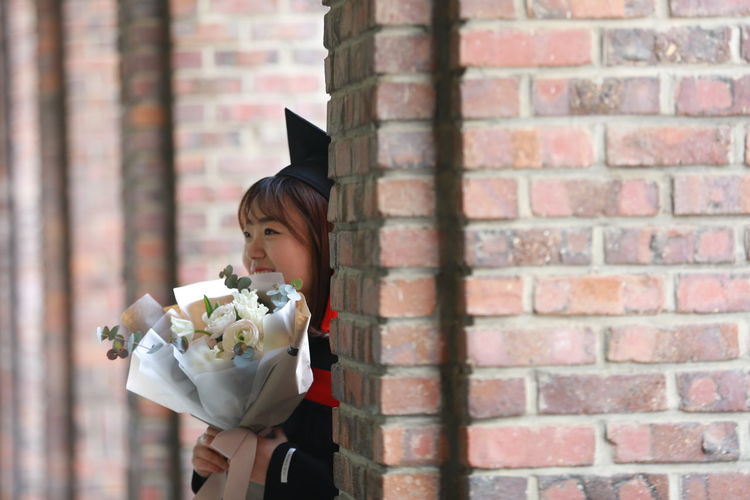 Cheerful Children Only Flower Graduateschool Graduationday Happy One Person People