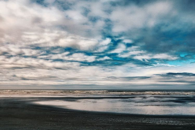 Cloud - Sky Sky Water Sea Scenics - Nature Beauty In Nature Tranquility Beach Tranquil Scene Horizon Over Water Nature Horizon No People Outdoors Idyllic Day Sand Non-urban Scene