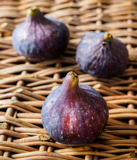 Figs in a Basket Basket Blue Figs Close-up Figs Food Fruits Organic Food Still Life