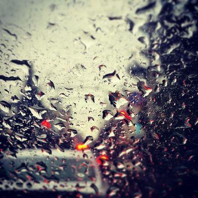а это вечерний дождик...?☁?☔ Instakrsk Klasse яжвк Krasnoyarsk_city instamood mood rain regen regn abend kveld kväll droppar dråper tropfen glass instagood love like webstagram evening
