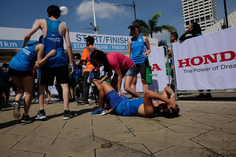 Standard Chartered KL Marathon 2016 Standard Chartered Marathon 渣打馬拉松 Standard Chartered KL Marathon 2016 Exercise Time Healtylife Keep Fit Injured Runningman Run Marathon Kuala-lumpur