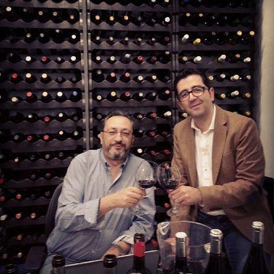 Aprovechando que estaba en Madrid para la Cena Armonizada del Wineuptour , he pasado a saludar a un Amigo Juan Fernández Cuesta y de paso sorprenderme con algun Vino