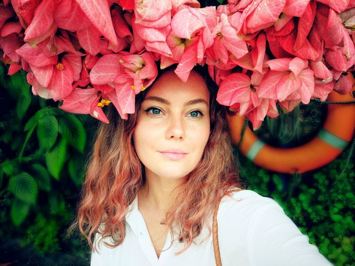 Melody of spring Beauty Girl Beauty In Nature Flower Flower Head Flowers Nature One Person Portrait Front View Looking At Camera Beautiful Woman People Real People Flower Beauty Headshot first eyeem photo The Portraitist - 2018 EyeEm Awards