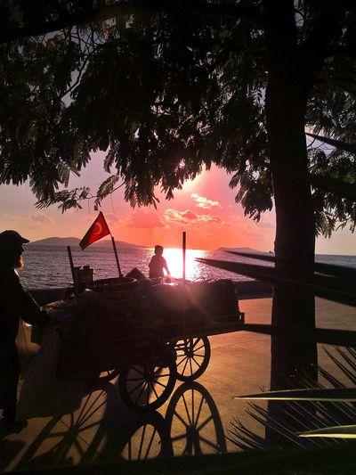 EyeEm The Best Shots Populer Photos Street Sunrise Silhouette