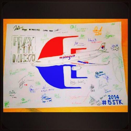Ya Allah , permudahkan lah urusan pencarian pesawat MH370 . Kami disini hanya mampu berdoa dan berharap serta memberi kata kata semangat MH370 Doauntukmh370 PrayforMH370 Meletop 5STK CliffordSchoolKualaKangsar