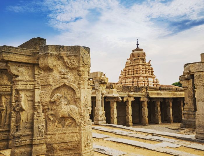 Hindu Temple Lepakshi EueEmNewHere Lepakshi Shiva Shiva Temple India Hindu EyeEm Selects Architecture Travel Destinations History Ancient Archaeology Old Ruin Religion Travel Tourism Ancient Civilization Built Structure Sky Outdoors Day No People King - Royal Person