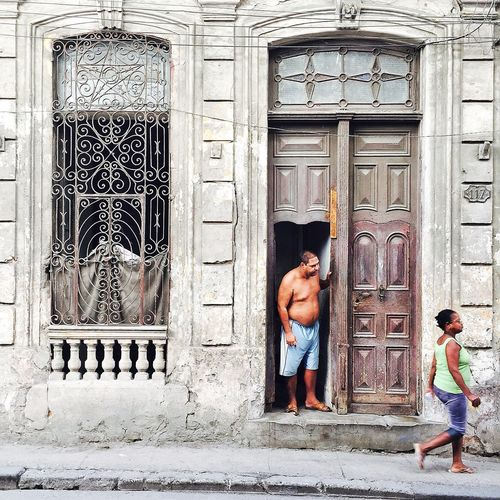 Hey there! Havana Cuba Peoplewalkingpastdoors IPS2016People