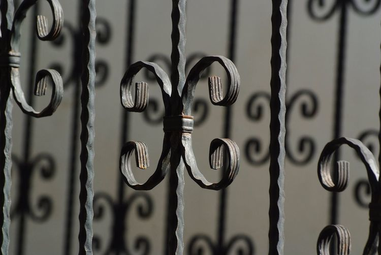Curly railings Metal Close-up Full Frame Security Safety Protection No People Gate Backgrounds Outdoors Hanging Selective Focus Focus On Foreground Pattern Day Wrought Iron Ölüdeniz, Fethiye Turkey