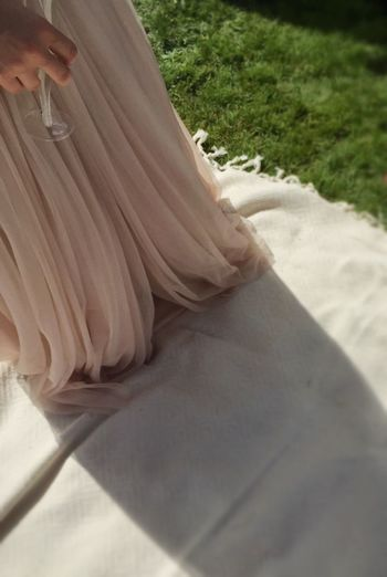 Just Married Beautiful Day Togetherness Friends Love The Moot Wedding Photography Dress No Shoes Grass Wedding Dress Millennial Pink
