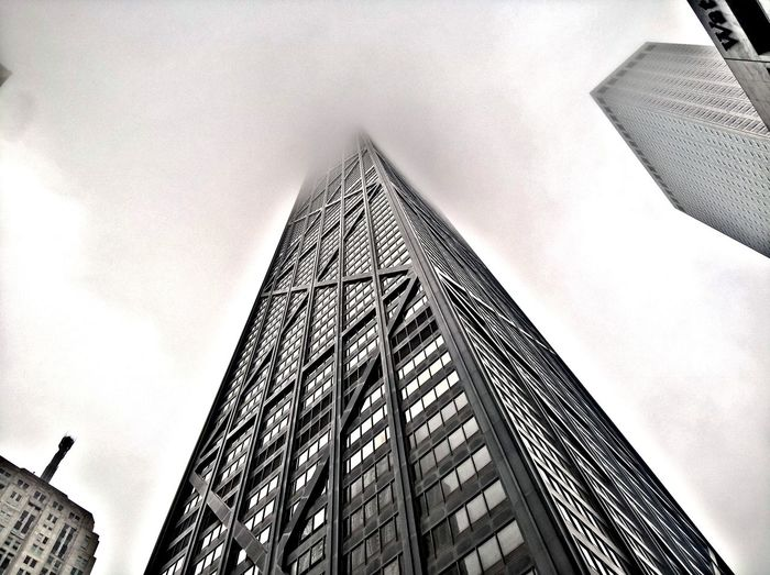 Chicago fog..... Architecture Built Structure Building Exterior EyeEmNewHere Photography Chicago, Illinois Chicagoshots Chicago Photographer Photography Themes Chicago Chicagoprimeshots Flying High Photographing Chicago Downtown Chicago Architecture City Life Skyscraper Downtown District Cityscape Travel Destinations Architecture Flying High EyeEmNewHere The Architect - 2017 EyeEm Awards
