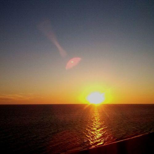 El último atardecer en la playa de Kiyu Hello World, de MI año. First Eyeem Photo