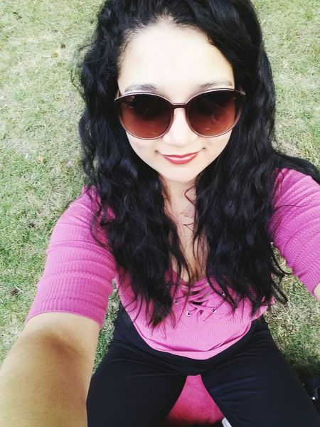 Disfrutando un hermoso día :) Sunglasses Brown Hair One Person Pink Color Long Hair Beautiful People One Woman Only Casual Clothing Beauty Portrait Close-up Looking At Camera Front View Outdoors Beautiful Woman People One Young Woman Only Adult Day Only Women First Eyeem Photo