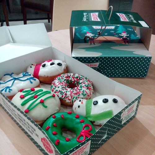 Joyinabox MerryChristmas KeepUpTheGoodWork ItPaysToPerform Rewards @krispykreme @krispykremeph