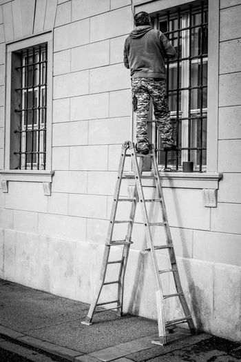 Black Black & White Black And White Blackandwhite Blackandwhitephotography Ladder Lampgrafic@gmail.com Street Street Photography Streetphoto Streetphoto_bw Streetphotography Wall Window Windows
