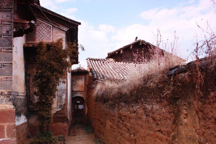 Enjoying Life Taking Photos Afternoon EyeEm Eye4photography  EyeEm Best Shots On The Road Trvael House Yunnan