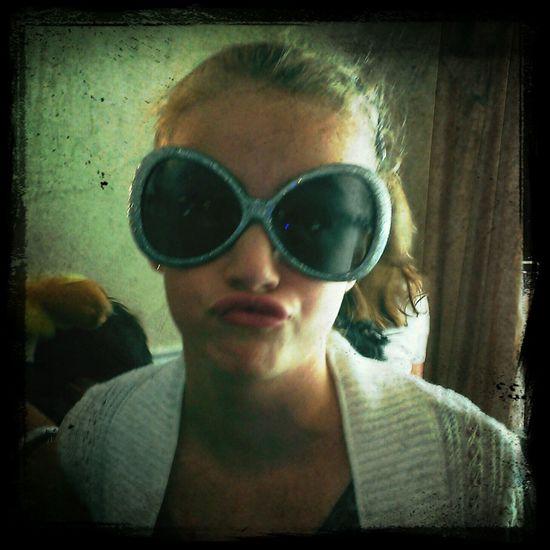 goofy girl...