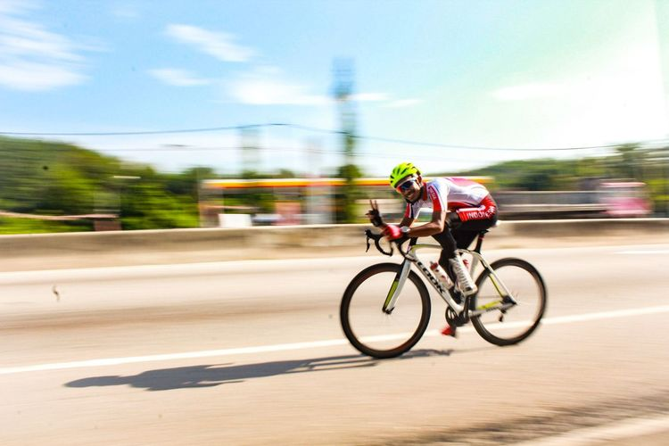 Panning Canon Bicycle Peace Lightroom