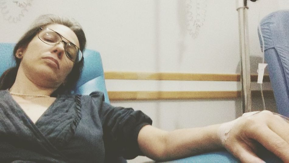 Pastel Power Sick Woman Sick :( Emergencyroom Hospital:( Doente No Hospital Hospitalization Tomando Soro