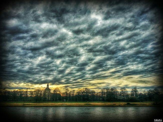 HDR Elbufer Clouds Dresden