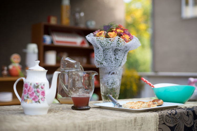 Garden Party Bowl Breakfast Drink Drinking Glass Focus On Foreground Food Food And Drink Freshness Glass Glass - Material Healthy Eating Household Equipment Meal No People Ready-to-eat Refreshment Still Life Table Transparent Wellbeing