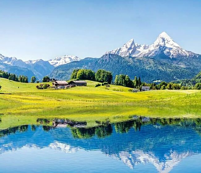 mein Traum so zu leben...... Mountain Reflection Followforfollow Beauty In Nature Nature Bergwelten mountain range Scenics Lake Nature Tranquil Scene No People Water Beauty In Nature Snow Landscape Day Outdoors Tree Sky