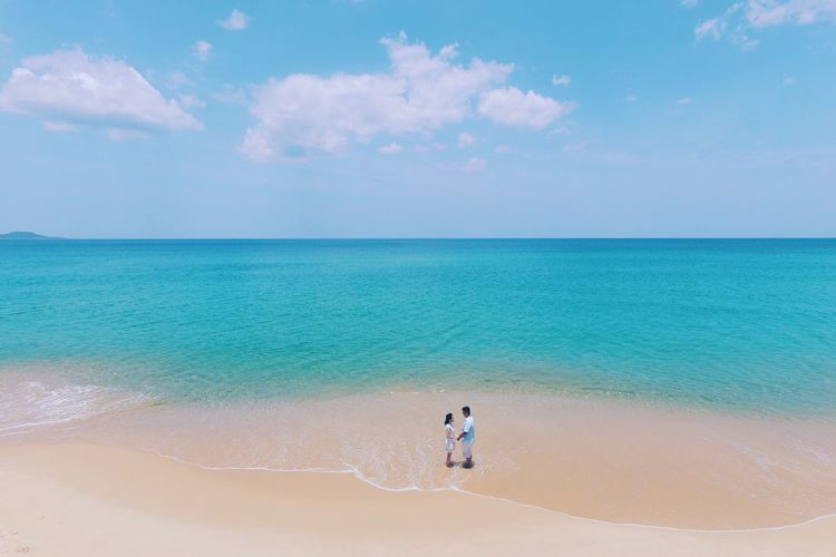 A Bird's Eye View Colour Of Life Colour Palette EyeEm Eyeemphoto EyeEm Best Shots Drone  Dronephotography Aerial Shot Aerial Photography Dji Phantom Phantom 3 Engagement Photography From Above  Beach Summer Views Summer Vibes Summer Beachphotography Beach Life Beachlovers Colours Of Nature Blue Wave Blue Sea