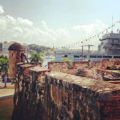 Дом Диего Колумба и корабль фрицев