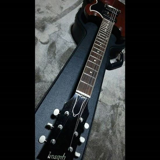 久しぶりにギターを弾いてみよう。 昔は弾くっていうより、そこから音出してたって感じでした。 ギター Guitar ElectricGuitar エレキギター Gibsonsg Sg Music Team_jp_ Japan Instagood Icu_japan Ig_japan Ig_nihon Jp_gallery Japan_focus