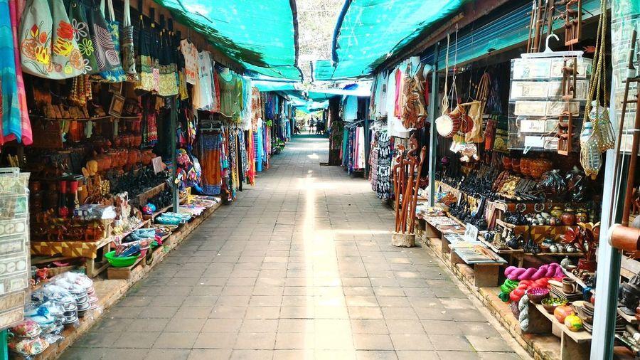 @CambodiaTour2016 Souvenir Stalls