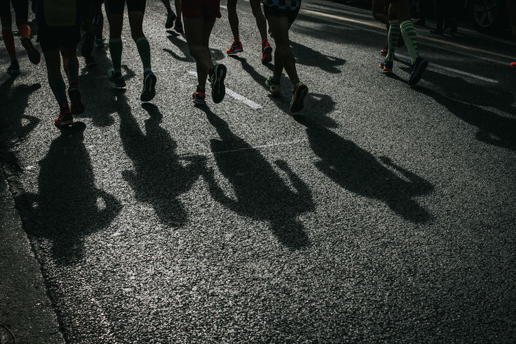 Marathon Runners Silhouette Marathon Runner Marathon Silhouette Marathonrunner People Running People Running Through Street Running Shadows Running Silhouette