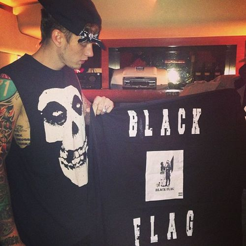 MGK new mix tap Black Flag coming soon #LaceUp