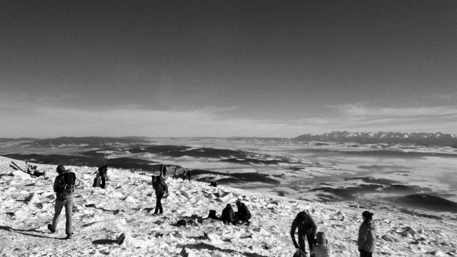 Nature Real People Sky Outdoors Medium Group Of People Lifestyles Beauty In Nature Day Tranquility Scenics FreeTime PhonePhotography Beautiful Nature Snow Mountain Range Cold Temperature Winter EyeEmNewHere Shades Of Winter