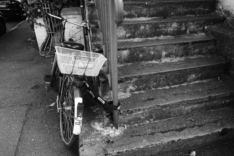 Parked Bike Outdoors Stairs Stages Day No People Taking Photos Streetphotography Street Photography Streetphoto Black And White Photography Blackandwhitephotography Old Bicycle Close-up