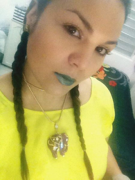 Feliz Navidad 🎄 Holiday Selfie ✌ Woman Woman Portrait Woman Of EyeEm Face Yellow Green Lips Rosemary🌹 Lips Braids 😘
