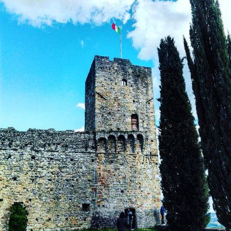 Castello di Romena Architecture Built Structure Outdoors Castle Tuscany Tuscany Italy Casentino Sky Architecture Outdoors Built Structure Cloud - Sky Day Building Exterior No People Italy